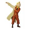 Figura 1 - Tintin a vestir o casaco