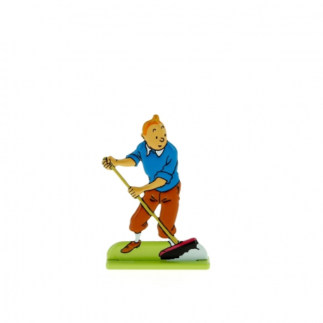 Tintin sweeping up